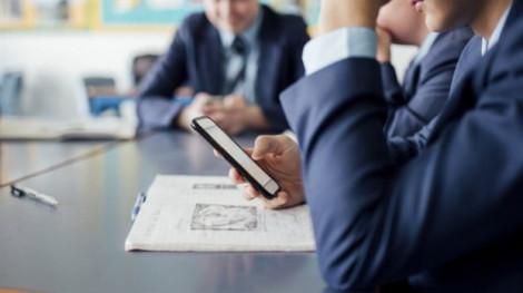 Một nửa số phụ huynh muốn 'cấm điện thoại di động ở trường'