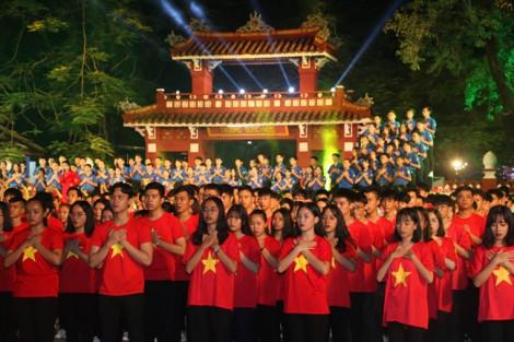 1.000 thanh niên, học sinh hát vang bài ca 'Kết đoàn'