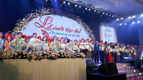 100 đôi tình nhân mặc áo dài khăn đóng tham gia lễ cưới tập thể