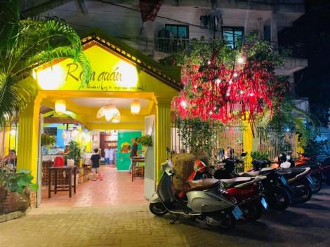 Không cần lặn lội tới tận Lái Thiêu, món gỏi gà măng cụt đã có mặt ở Sài Gòn rồi!