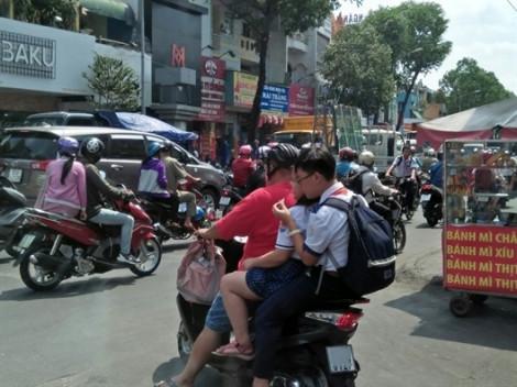 Cảnh sát giao thông sẽ xử lý nghiêm học sinh vi phạm luật giao thông trong ngày khai giảng