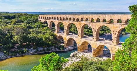 Top 5 cây cầu 'độc lạ' nhất thế giới