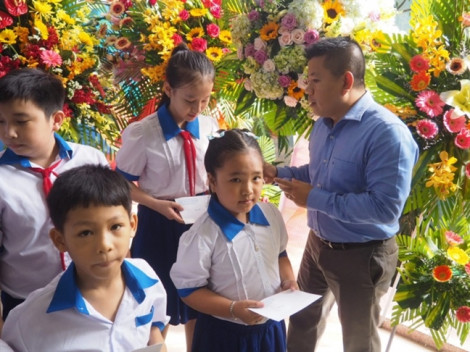 Khai giảng năm học mới: trường tiểu học Lê Đình Chinh nhận tin vui từ HD SAISON