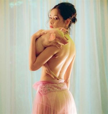 Nhũng buc ảnh bán nude táo bạo của mỹ nhan Viẹt