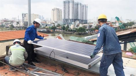 Đoàn Thanh niên Tổng công ty Điện lực TP.HCM đón nhận bằng khen của Thủ tướng