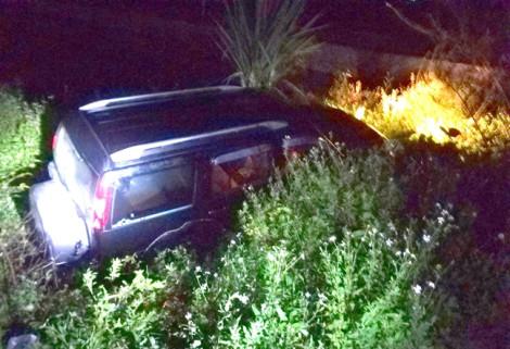 Ô tô 7 chỗ lao xuống mương nước, tài xế chết trên vô lăng