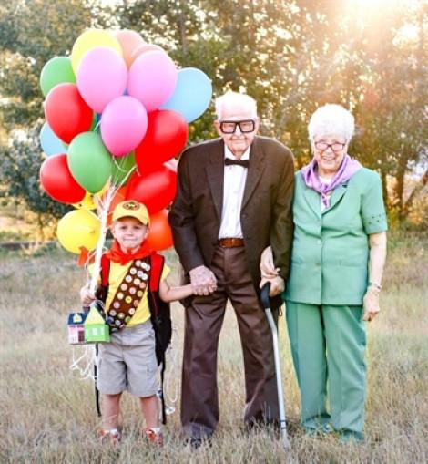 Cậu bé 5 tuổi mừng sinh nhật bằng bộ ảnh chụp cùng ông bà cố 90 tuổi