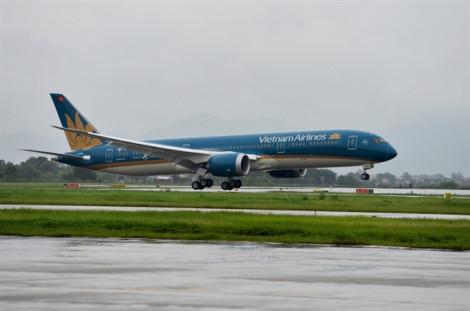Máy bay của Vietnam Airline liên tục rách lốp, bí ẩn nguyên nhân
