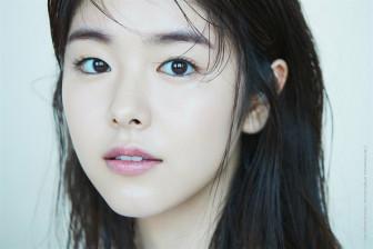 Nhan sắc trong trẻo của mỹ nhân vượt mặt Song Joong Ki trên trang web tìm kiếm