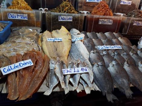 Ăn khô thủy hải sản là chấp nhận ăn hóa chất