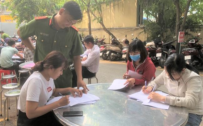 Khach hang khong the khoi kien de doi tien Cong ty Alibaba
