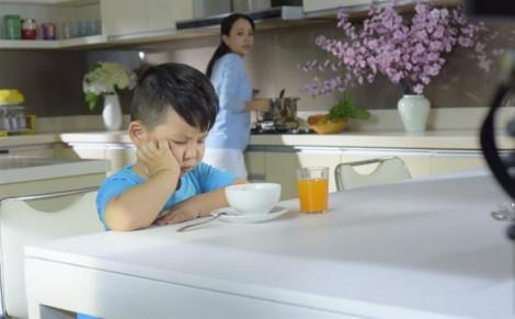 Phải tìm mọi cách để trị trẻ biếng ăn - Cách chăm con này liệu có còn đúng?