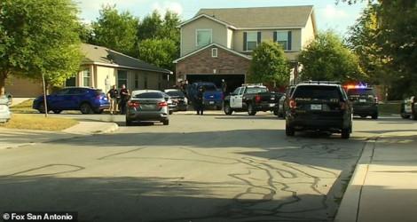 Bé trai ba tuổi tử vong sau khi bị cha mẹ bỏ quên trong xe hơi dưới nắng