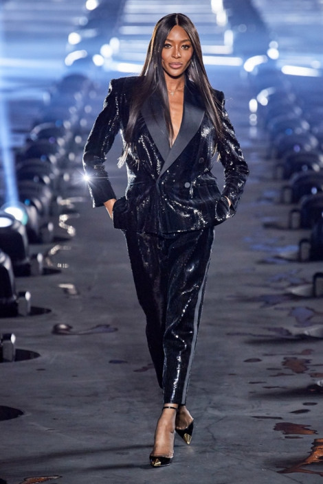 'Báo đen' Naomi Campbell: vẫn thần thái 'đỉnh' trên sàn diễn