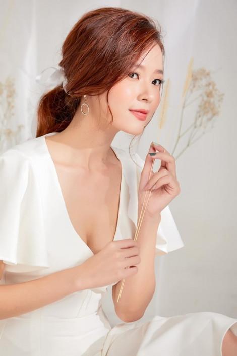 Học Midu cách diện váy trắng đẹp mọi lúc