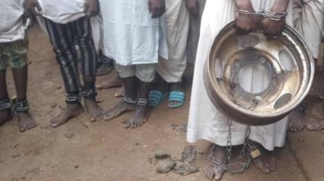 Nigeria vất vả tìm người thân của 400 nạn nhân bị 'giam giữ' tại một trường học