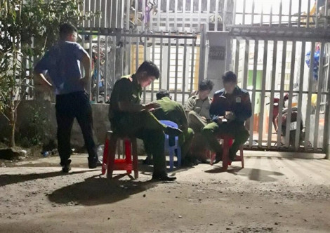 Người đàn ông Sài Gòn chết trên nền phòng trọ ở Bình Dương