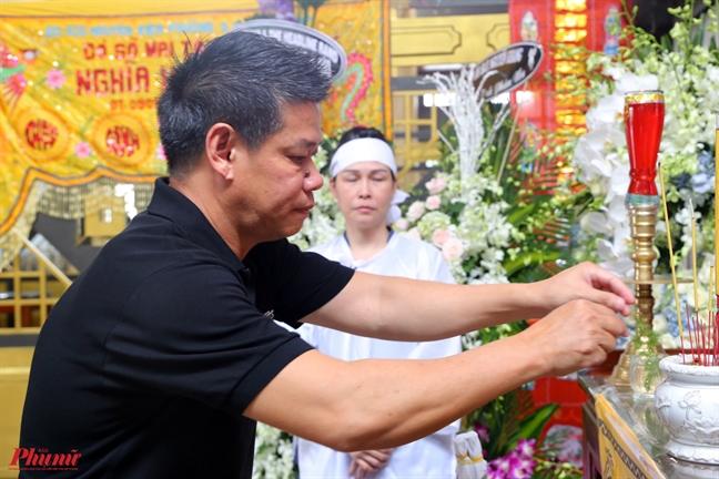 Tieng ken saxophone dua nghe si Xuan Hieu ve coi vinh hang