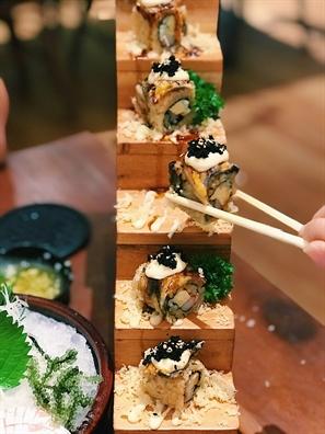 Doc dao mon sushi ket hop cung sau rieng o Sai Gon, ban da thu chua?