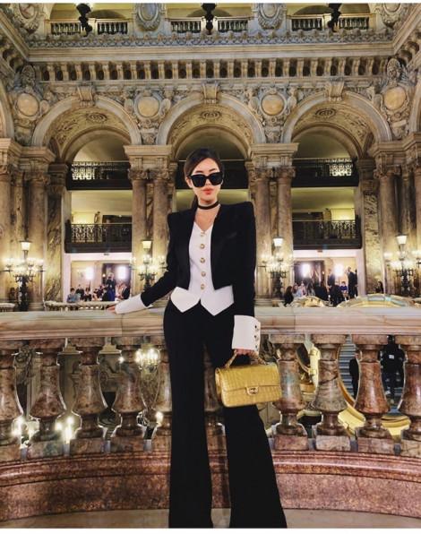 Thảo Tiên lọt top mặc đẹp báo quốc tế tại Paris Fashion Week 2019