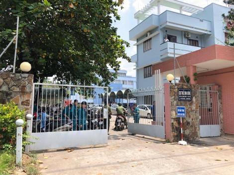 Khám xét ngôi nhà bán tạp hoá nghi liên quan đến vụ nổ tại Cục thuế Bình Dương