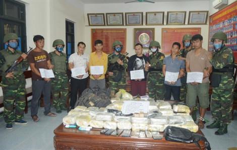 Bắt nhóm thanh niên người Lào đang vận chuyển lô ma tuý khủng