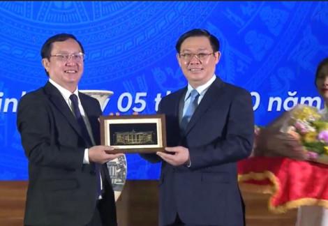 Phó thủ tướng Vương Đình Huệ khuyên sinh viên: Chinh phục tri thức để nhìn ra thế giới