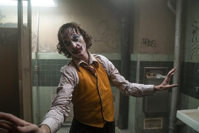 1 nguoi bi duoi, rap huy suat chieu phim 'Joker' vi bi de doa bao luc