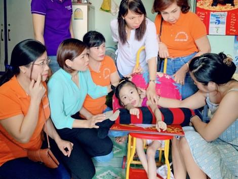 San sẻ yêu thương đến phụ nữ và trẻ em bất hạnh