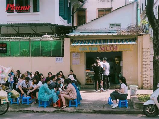 Bi quyet gi giup hang sua tuoi le duong luc nao cung dong nghit khach?
