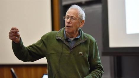 Giải Nobel Vật lý 2019 trao cho công trình về sự phát triển vũ trụ và phát hiện hành tinh ngoài hệ Mặt Trời