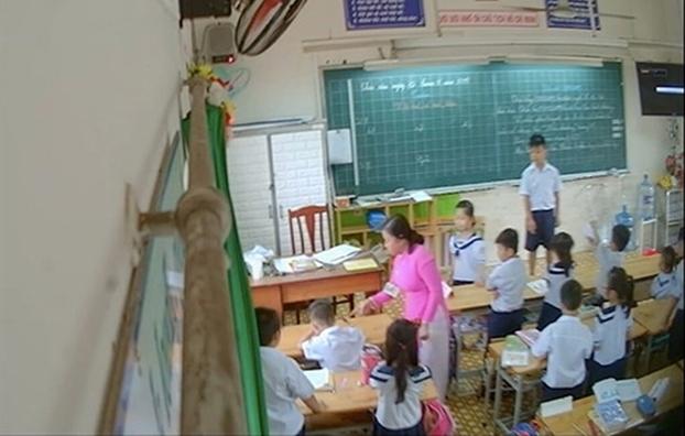 Phong GD-DT quan Tan Phu: Truoc khi co clip bang chung, giao vien khong thua nhan co danh hoc sinh
