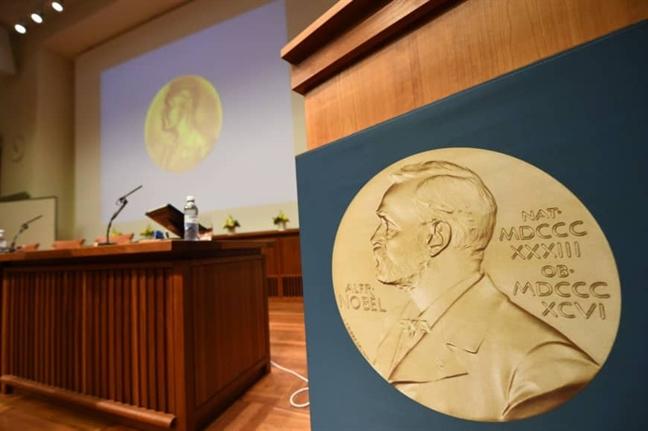 Nobel Van chuong 2018-2019: Ket qua bat ngo!