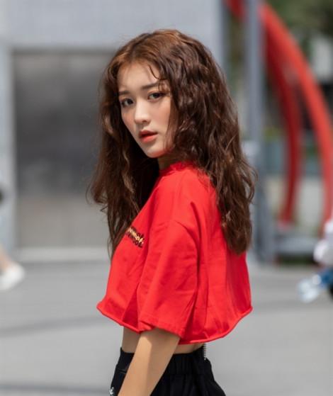 'Mướt mắt' với gu thời trang của mỹ nhân vòng eo nhỏ nhất Vbiz