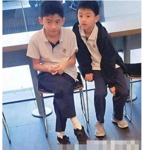Con trai Tạ Đình Phong oán trách cha vô trách nhiệm