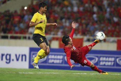 Chỉ một trận cầu thăng hoa, Nguyễn Quang Hải ẵm ít nhất 300 triệu đồng
