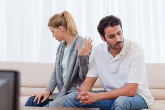 Hậu ly hôn: Bật lên một tiếng cười xòa là xong