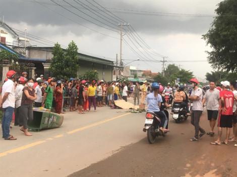 Hàng trăm người đổ ra đường xem vụ tai nạn khiến 3 người thương vong