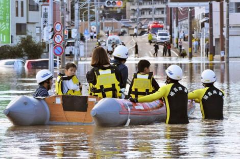 Số người thiệt mạng vì bão Hagibis tăng lên 40 trong lúc hàng ngàn cứu hộ viên gấp rút tìm kiếm nạn nhân