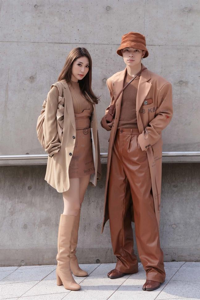 Khong Tu Quynh khoe gu thoi trang 'chat' tai 'Seoul Fashion Week 2019'