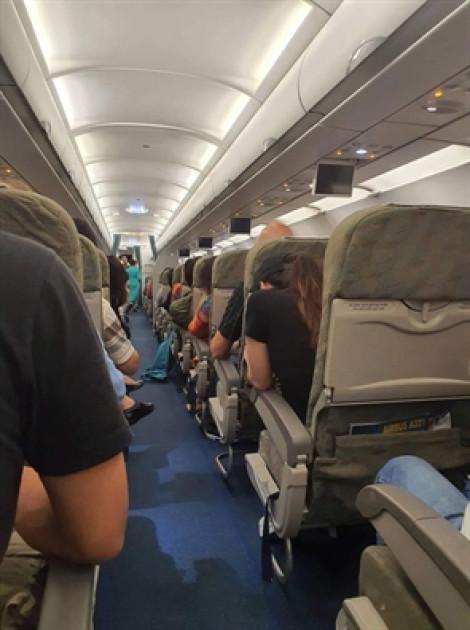 2 lần hạ cánh xuống sân bay Đà Nẵng bất thành, máy bay Vietnam Airlines phải bay ra Huế