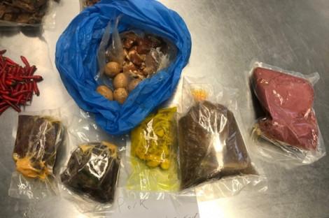 Một phụ nữ Việt bị từ chối nhập cảnh vào Úc vì đem lậu gần 5kg thịt heo