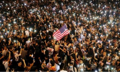 Hạ viện Mỹ thông qua các dự luật mới, có lợi cho người biểu tình Hồng Kông