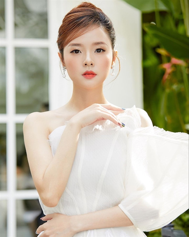 Can canh nhan sac 6 co gai vang trong lang chua voi lay chong cua Vbiz