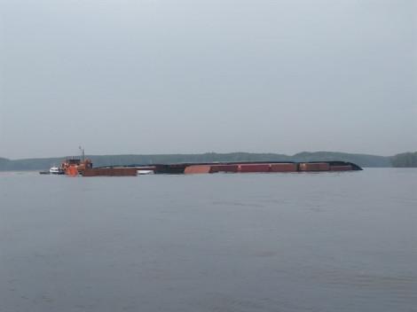 Chìm tàu container 8.000 tấn cùng nhiều thuyền viên ở Cần Giờ, Cảng vụ hàng hải TP.HCM ra thông báo khẩn
