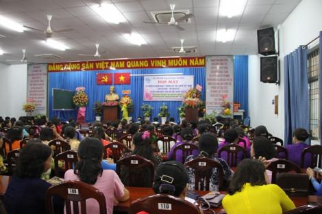 Quận Tân Bình 'bội thu' heo đất chăm lo cho phụ nữ nghèo
