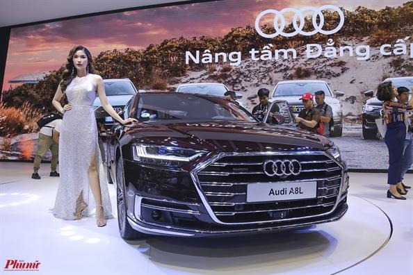 Cac hang o to danh tieng mang san pham den Viet Nam 'trinh lang'