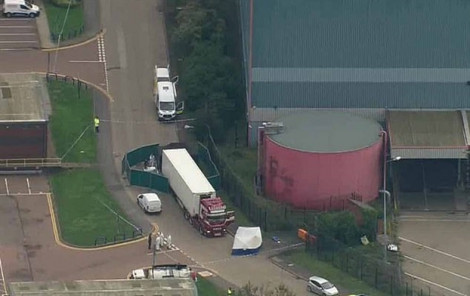 Cảnh sát Anh phát hiện 39 thi thể trong một xe tải ở hạt Essex