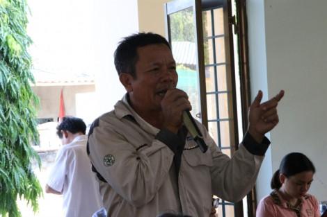 Dự án thép Hòa Phát Dung Quất bị người dân phản ứng vì ô nhiễm, xâm phạm mồ mả