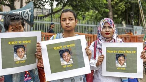 Tòa án Bangladesh tuyên tử hình 16 người liên quan đến vụ thiêu sống một nữ sinh